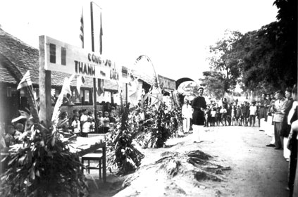 Inauguration en 1949 de l'école de Thanh-Dien Indochine
