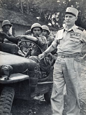 The General Salan back in Indochina in 1954